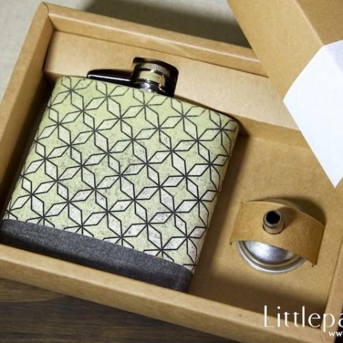 diamond-flower-pocket-flask-6oz-04