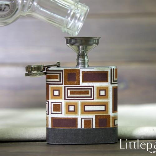 golden-cube-pocket-flask-3oz-v1-04
