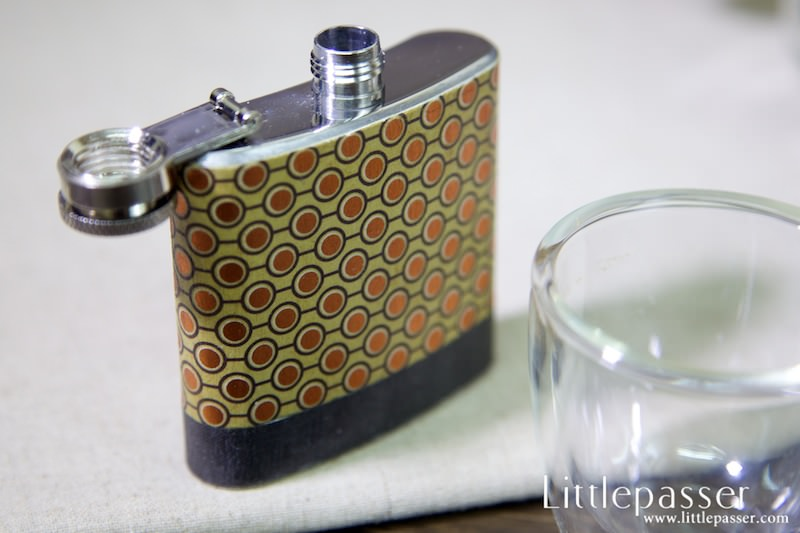 golden-dot-pocket-flask-3oz-v1-04